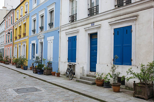 colors on rue cremieux in Paris