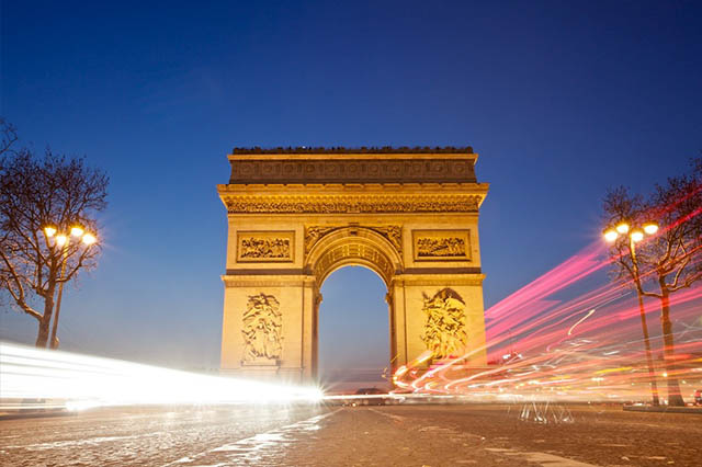 Arc de Triomphe top things to do in Paris