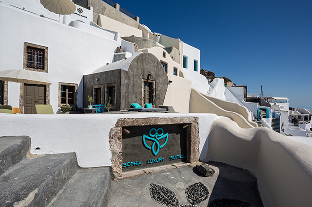 Sophia suite Santorini hotel review