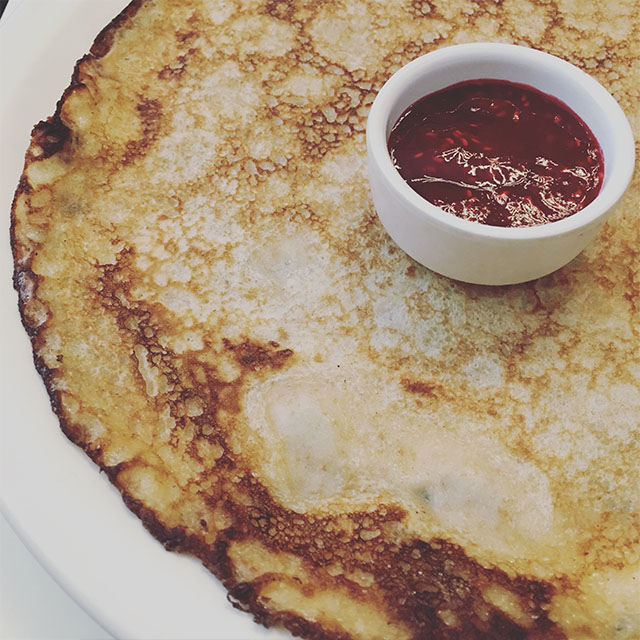 dutch pancakes to eat in Amsterdam