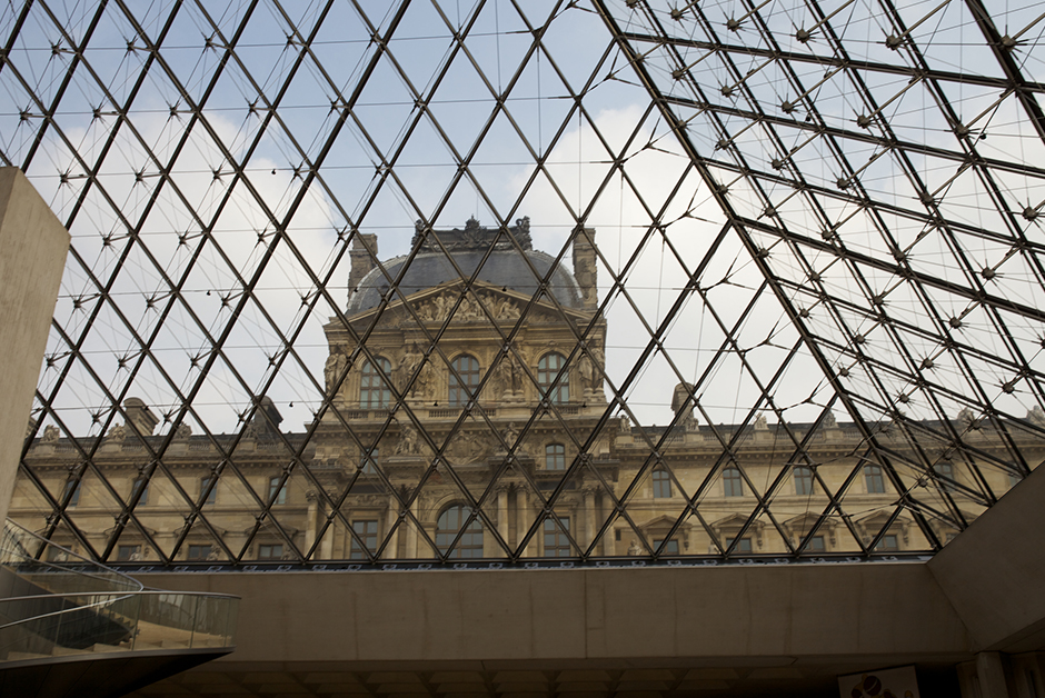louvre in paris