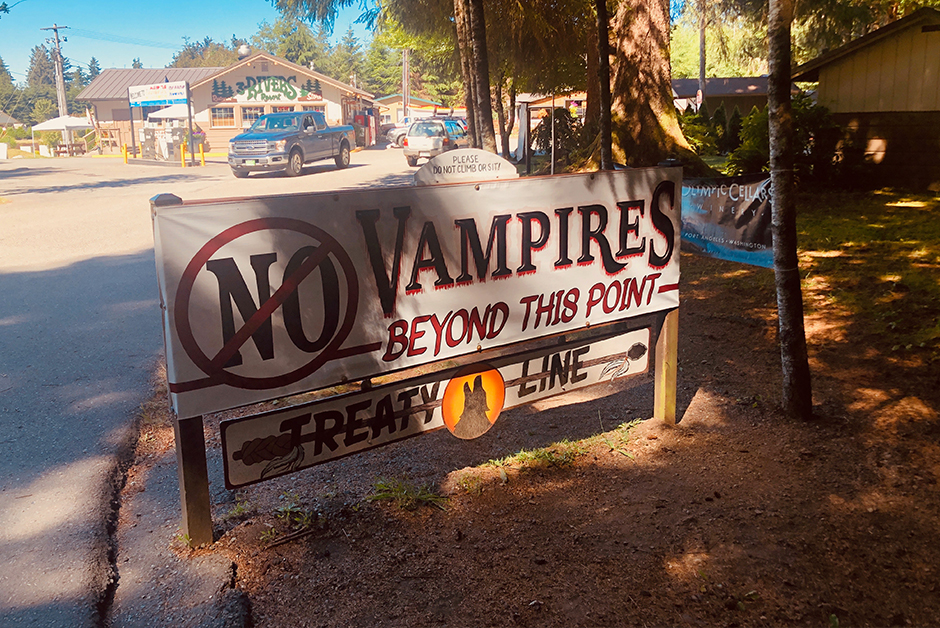 no vampires sign in Forks Washington