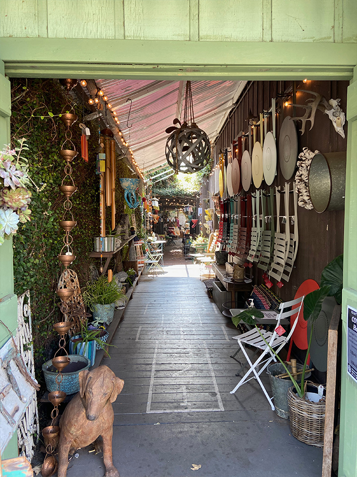 stores in Ojai California