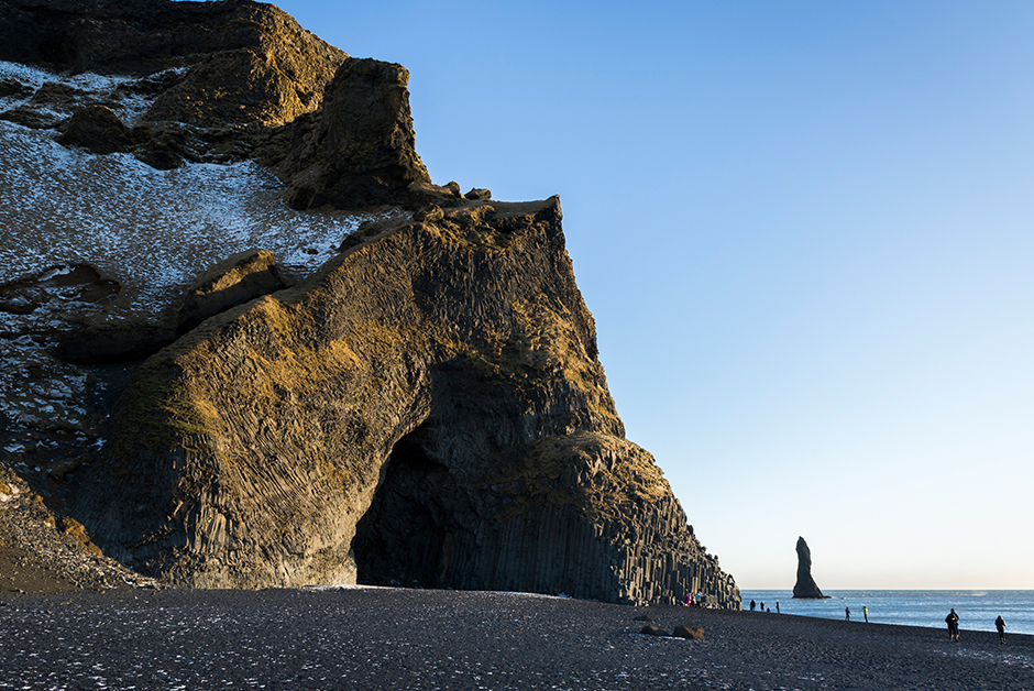 black sand beaches in vik